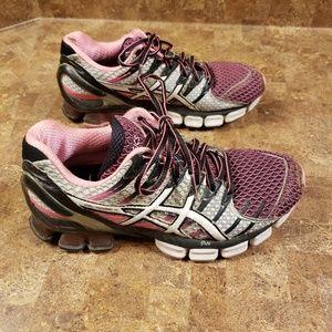 Asics Shoes (Size 7)